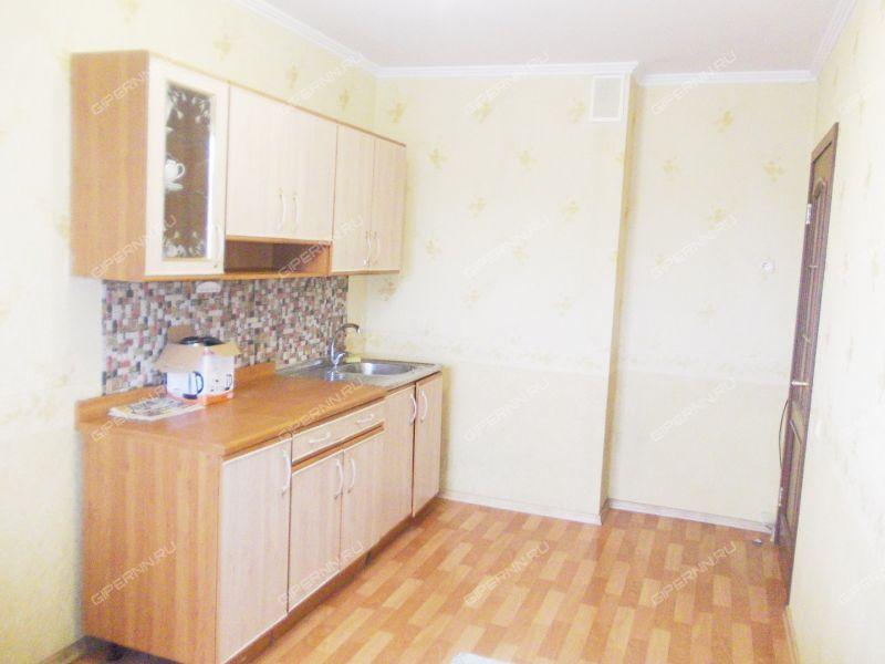 трёхкомнатная квартира на улице Маршала Казакова дом 8